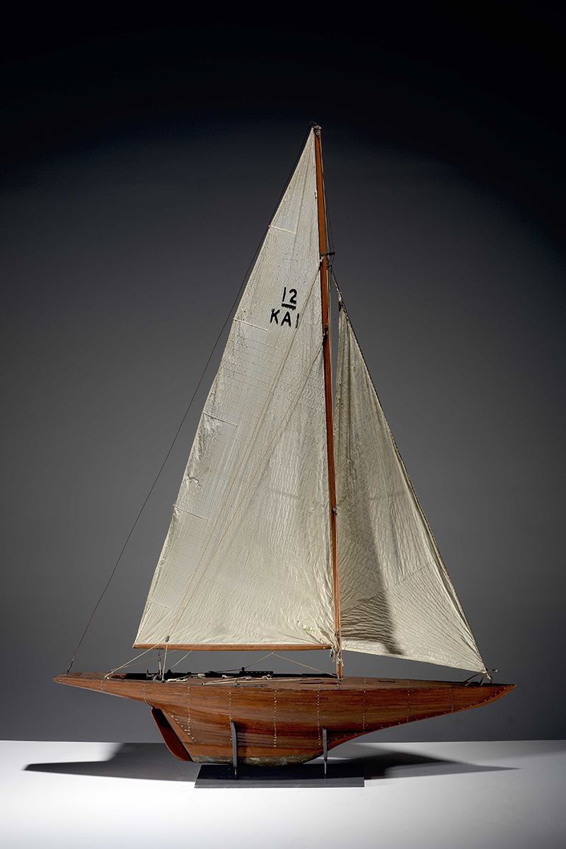 Amateur wooden planked model of the America's Cup Challenger yacht GRETEL. ANMM Collection 00038316. Maker: David Williams.