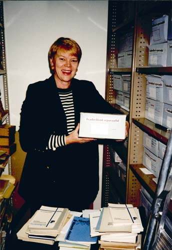 Maie Barrow at the Estonian Archives in Australia, Sydney, 1998. Reproduced courtesy Maie Barrow.