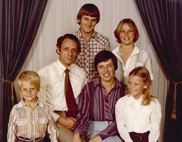 Woldring family portrait in Lismore, NSW, 1978. Reproduced courtesy Klaas and Aafke Woldring.