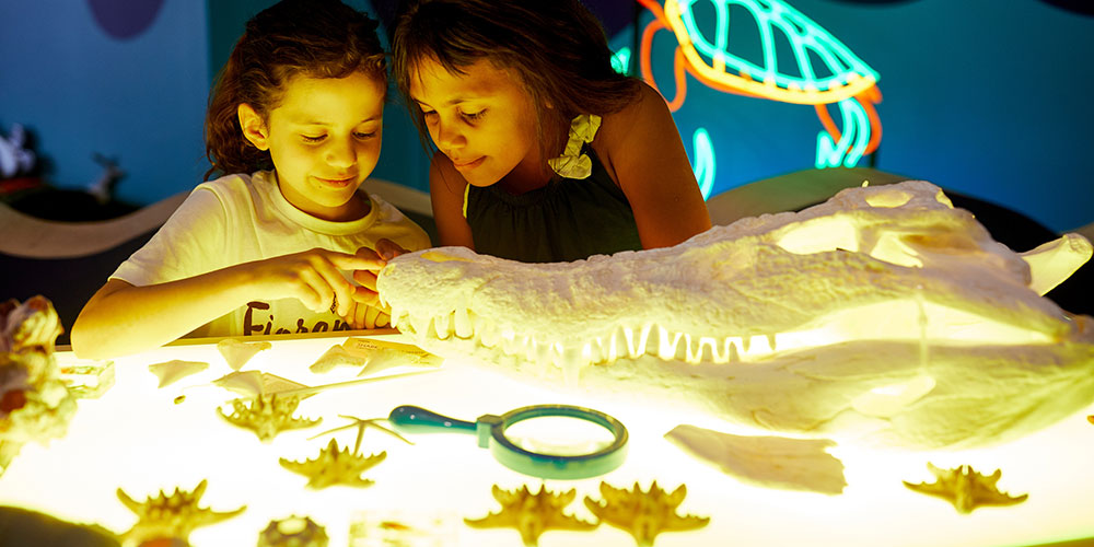 Kids playing in the Aquatic Imaginarium